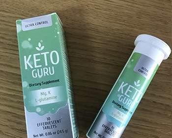 Упаковка и таблетки Keto Guru на столе
